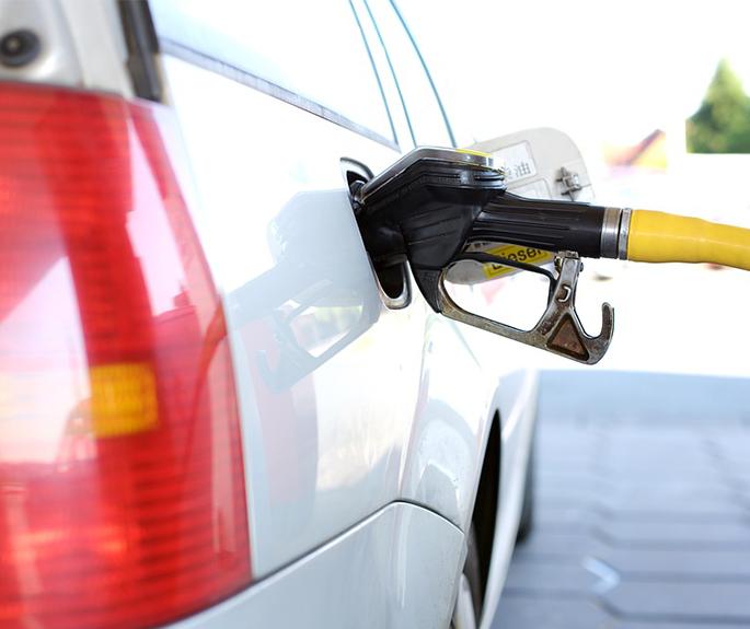 miniature-voiture-diesel-ou-essence